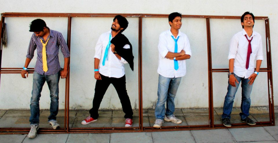 'BALALAIKA' & 'Mellomartinee' Live Band performances at Phoenix Marketcity Pune!